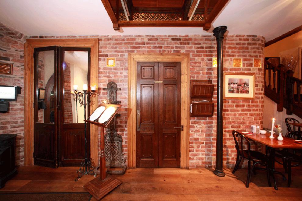 church-restaurant-skibereen-entrance-area-linehan-contracters_0309-990x660