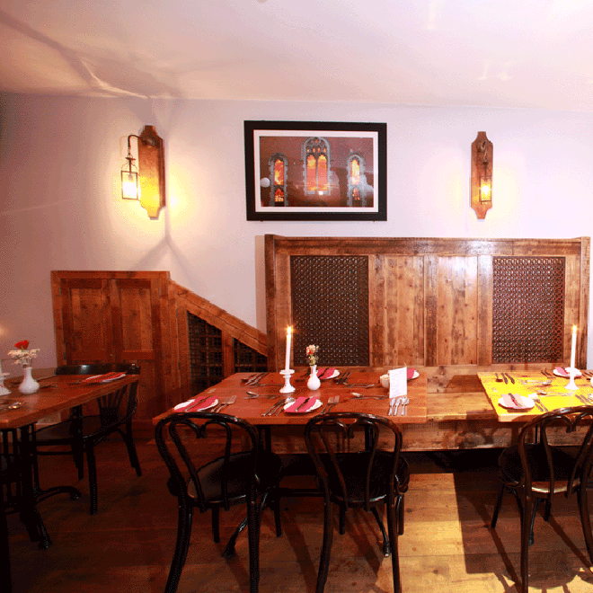 church-restaurant-wooden-panelling_0308-660x660