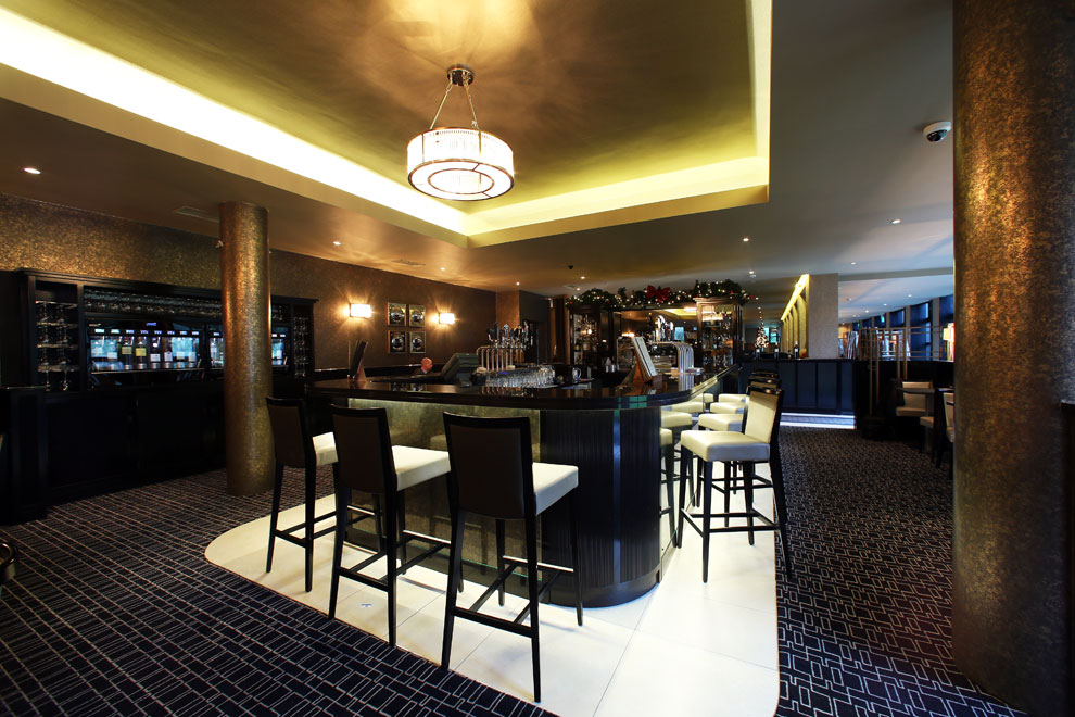 Refurbished Bellinis Bar by Niall Linehan Construction